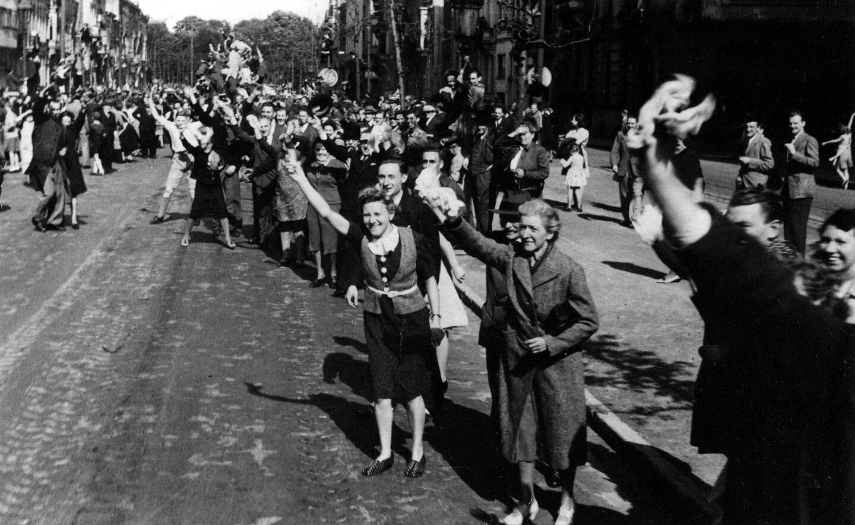 Vreugdevolle taferelen in de straten van Antwerpen