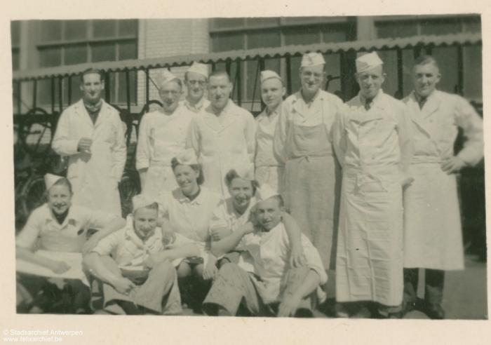 groepsfoto van keukenpersoneel