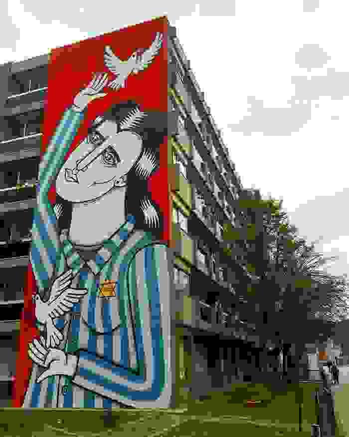 De muurschildering in de Montensstraat nummer 4