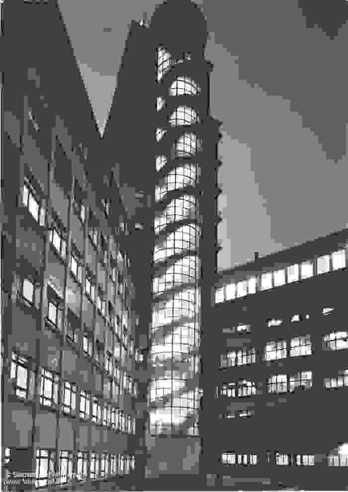 Het torengebouw van de 'Bell Telephone Manufacturing Company'
