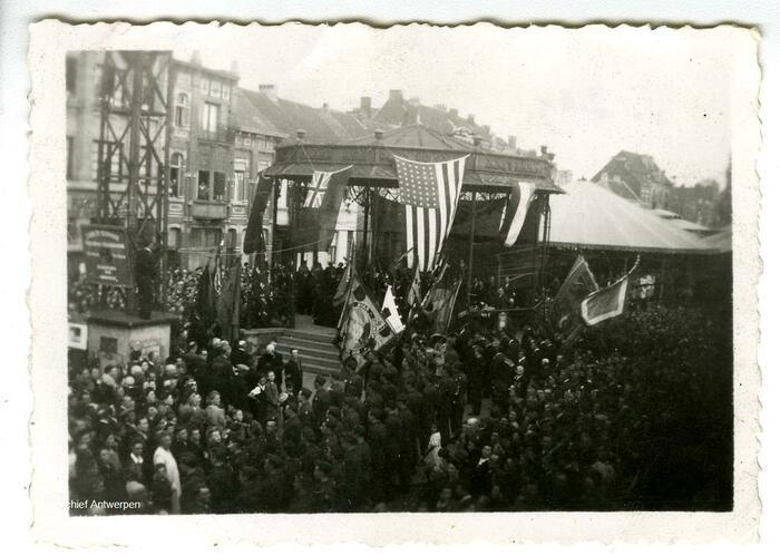 Op 8 mei 1945 is het groot feest in Hoboken