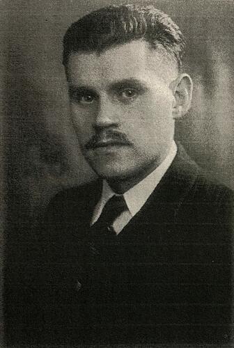 Portretfoto van de Joodse verzetsman Josef Sterngold in 1943