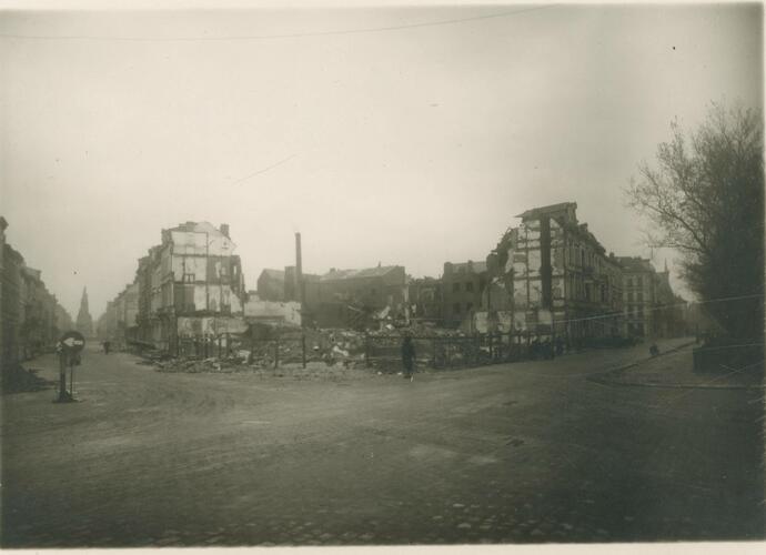Verwoest straatbeeld van Antwerpen (© The Phoebus Foundation)