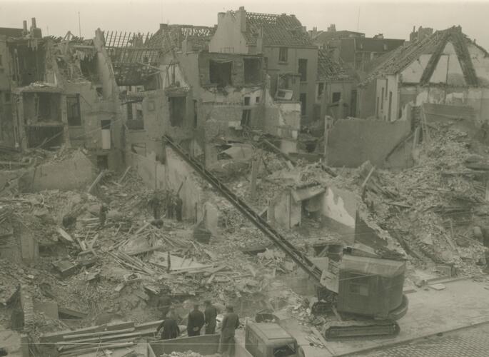 De Montignystraat na de bominslag